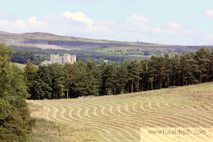 UK - Walk through fields from Bolton Castle to Carperby, Upper Wensleydale, Yorkshire Dales National Park